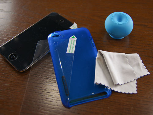 SOFTSHELL for iPod touchの付属品を確認