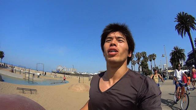 現在ロサンゼルスにいるんだが運動不足なのでベニスビーチランニングレポートしてみるよ